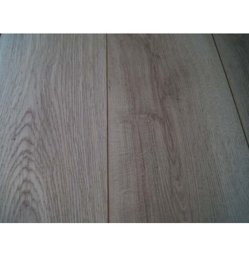 Chantilly Oak 10mm laminate flooring