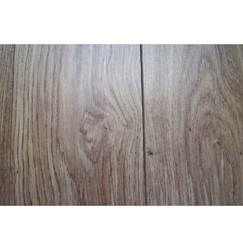 Light varnished Oak Laminate flooring